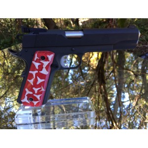 Custom 1911 grips - Sharks Teeth in acrylic red background
